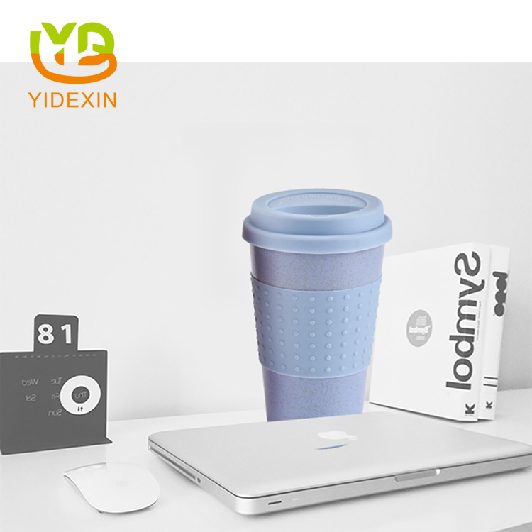 Take aways coffee mugs with silicone sleeve and lid