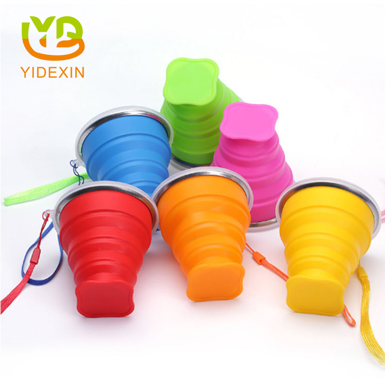 Travel silicone collapsible cup